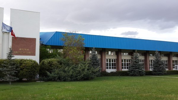 Anadolu üniversitesi havuz