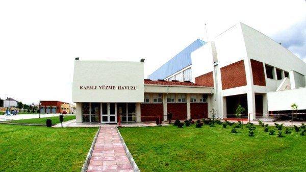 Anadolu Üniversitesi Yüzme Havuzu